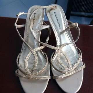 sandals 1 inch heel
