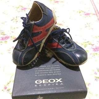 sepatu geox anak original