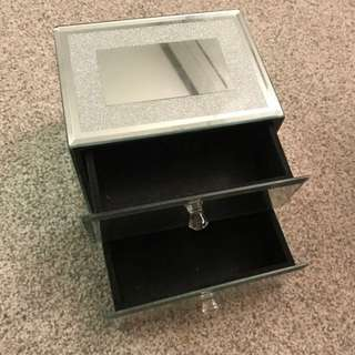 jewelry container