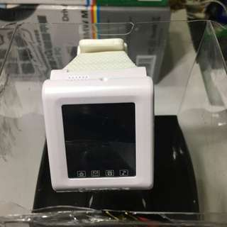 是手錶也是手機,雙卡雙待機