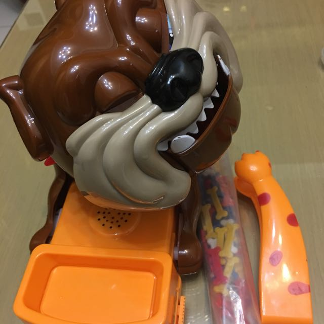 家有惡犬夾骨頭遊戲機