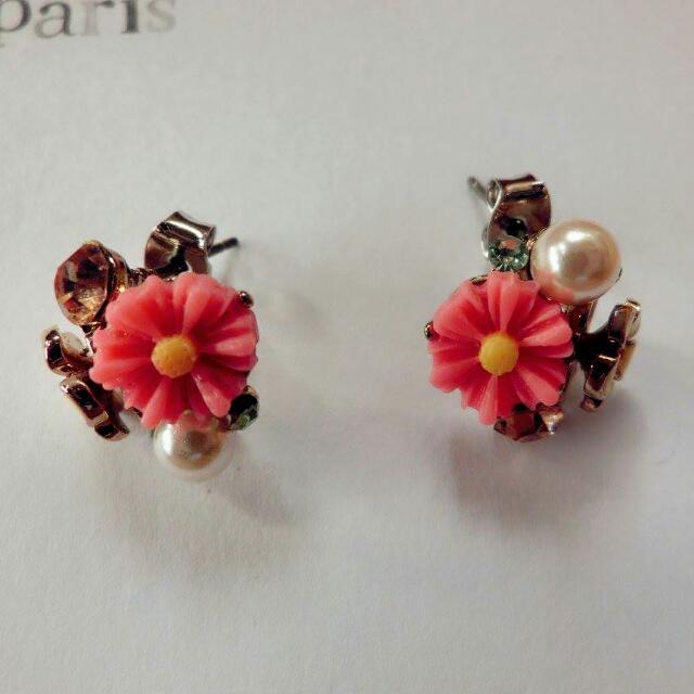 小花朵兒珍珠耳環