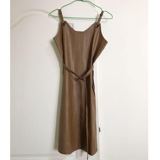 皮質吊帶裙/連身洋裝