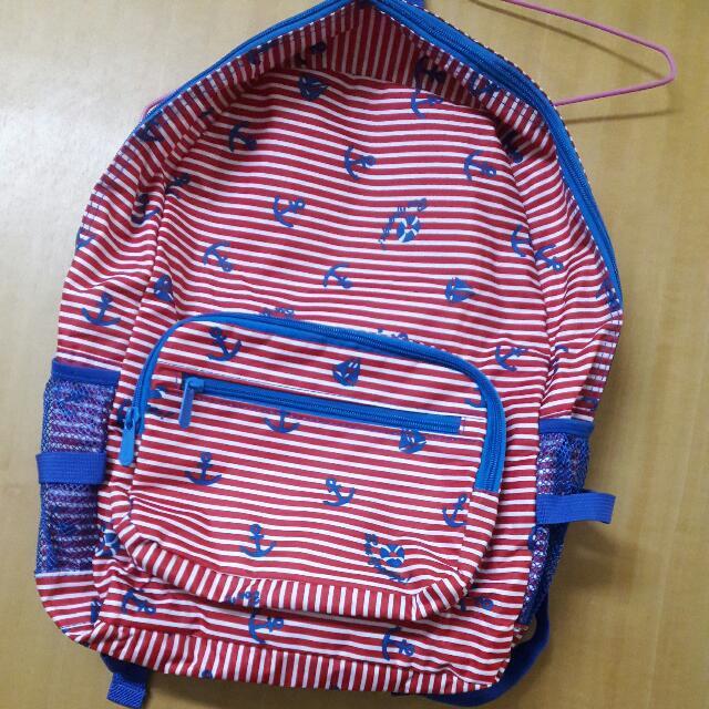 中性紅白條紋後背包