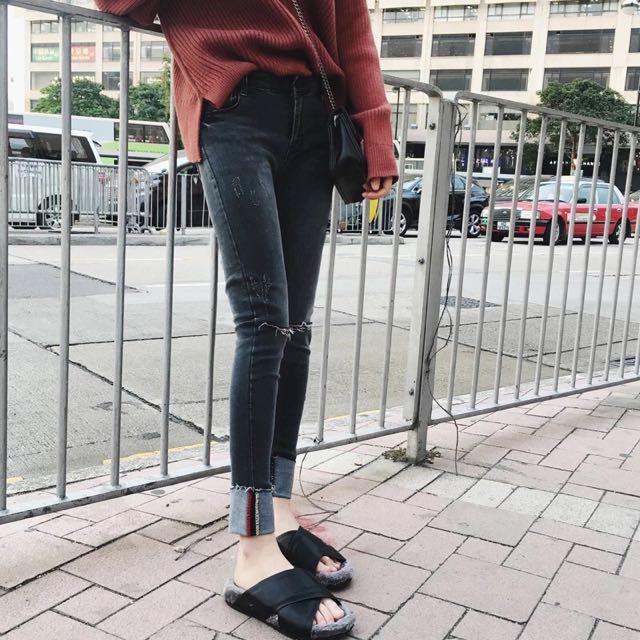 韓 高腰顯瘦破洞牛仔褲 兩色