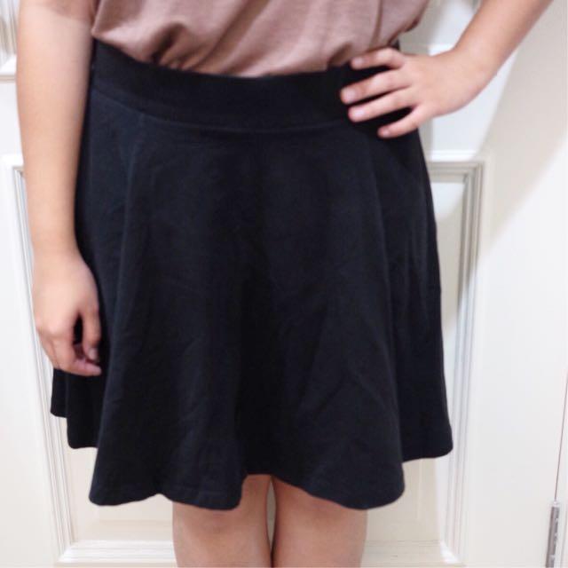 COTTON ON - Black Skirt