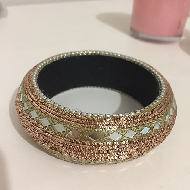 Gem Fashion Bangle