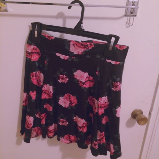 H&M DIVIDED Floral Skater Skirt