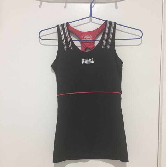 Lonsdale Size 6 Top