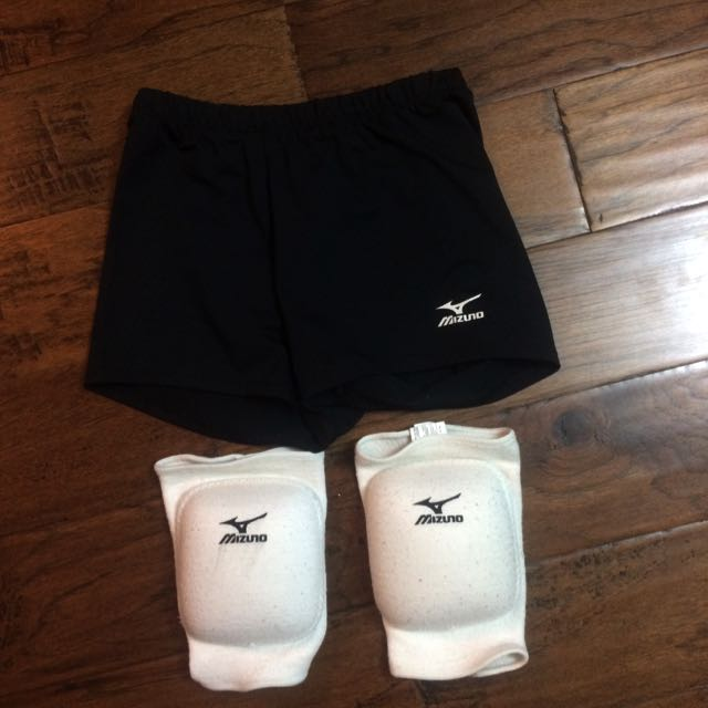 Mizuno Volleyball Shorts And Pads