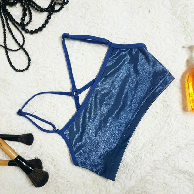 PRELOVED SALE:  Bikini Top - Becca  Bust size: M (28in)  Price: Php80  Brushes, Necklace, Body wash not included  Get 3 items for only Php200  Shipping fee: Php80 MM/Php 120 PROV
