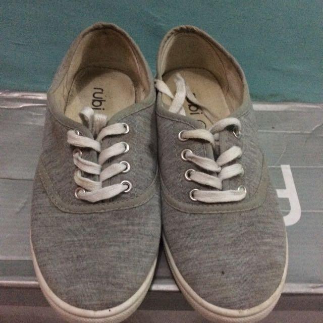 REPRICE !! Sepatu Rubi