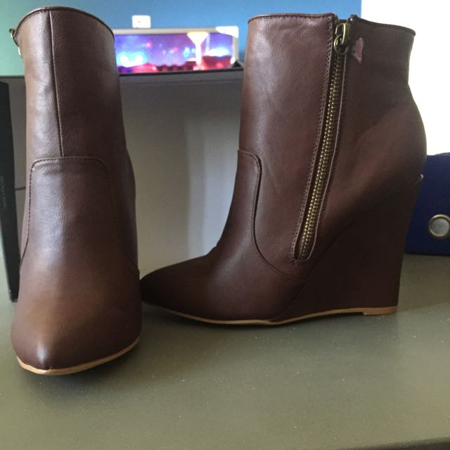 Spurr Burnt Brown Wedged Boots