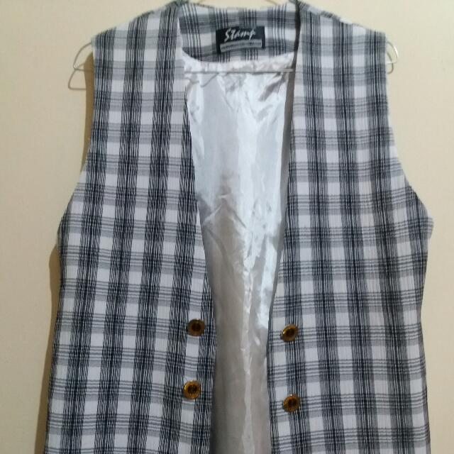 Stamp Outer