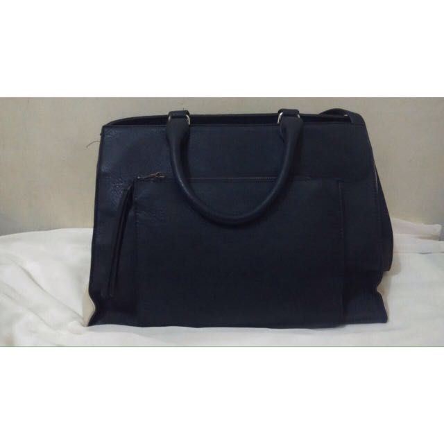 Stradivarius Bag Size M