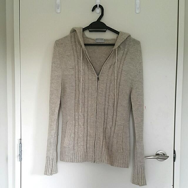 White/Grey Knit Cardigan/Hoodie