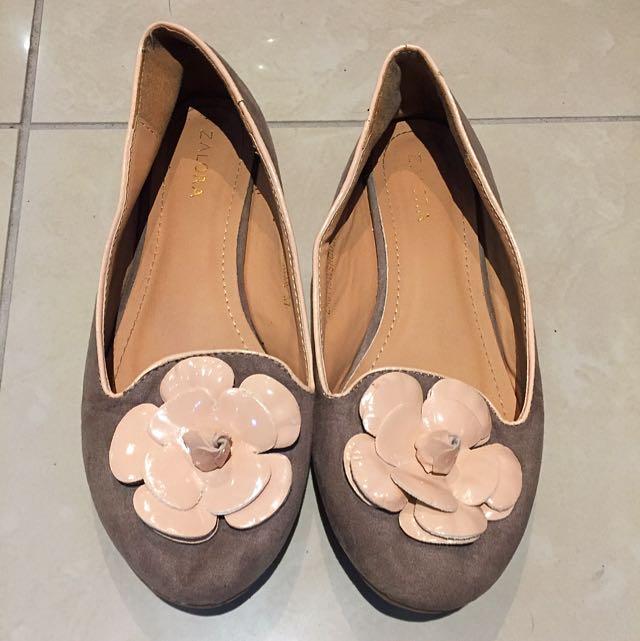 Zalora Ballet Flats Floral Suede