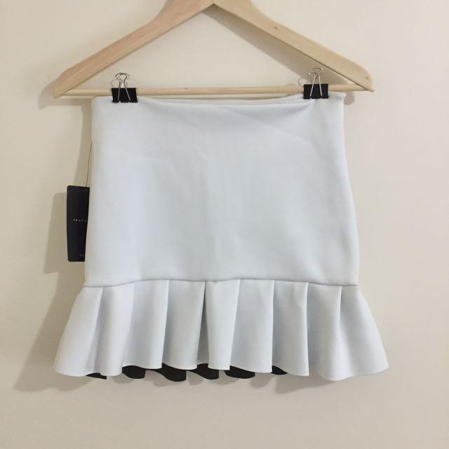 Zara Neoprene White Skirt