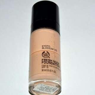 "The Body Shop Fresh Nude Foundation 015 ""Kyoto Blossom"""