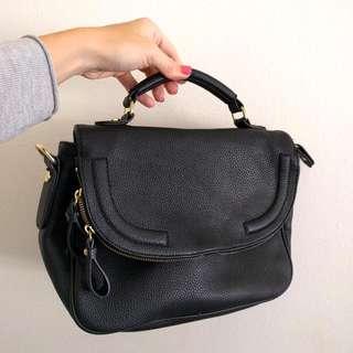 Small Black Hand Bag Solid Strap Gold Details Like Marc Jacobs Michael Kors