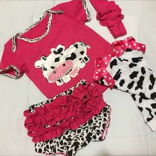 "Baby Girl's 4-Piece ""Cow"" Outfit"