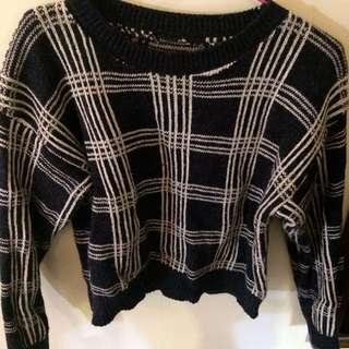女生線條毛衣
