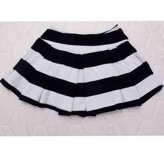 Preloved Bershka Black&White Stripes Mini Skirt