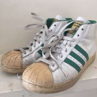VINTAGE SZ 8.5 ADIDAS HIGH TOP SHELL TOE SNEAKERS