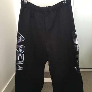 Obey 3/4 Track pants