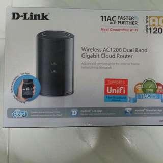 D-Link Wireless AC1200 Dual Band Gigabit Cloud Router