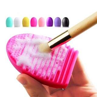 EGG brush pembersih kuas dan brush makeup