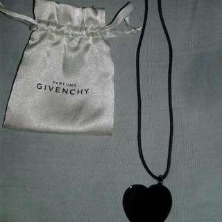 Kalung Givency Parfume