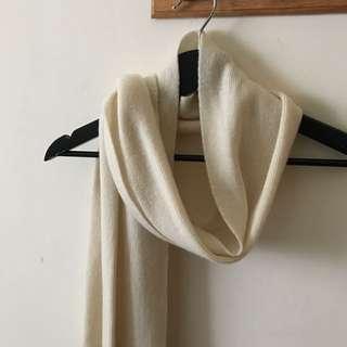 米白羊毛質感柔軟圍巾
