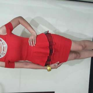Minidress Merah Bermanim