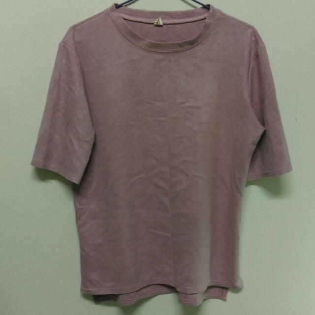粉色麂皮材質上衣
