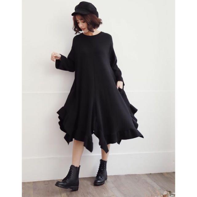 全新轉賣 更衣室 小草莓 針織 荷葉洋裝 不規則裙擺 連身裙 黑色 長版 休閒