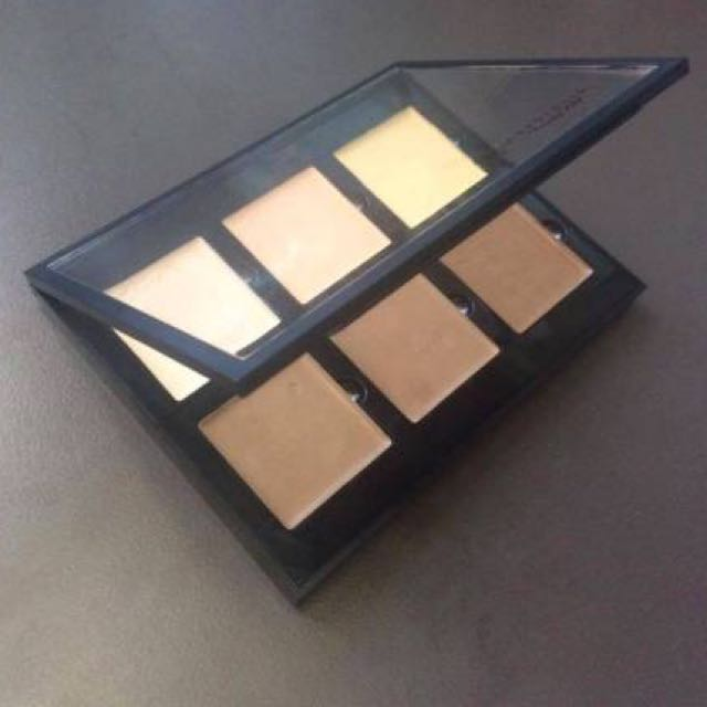 ❌SOLD❌Anastasia Beverly Hills Cream Contour Kit (Light)