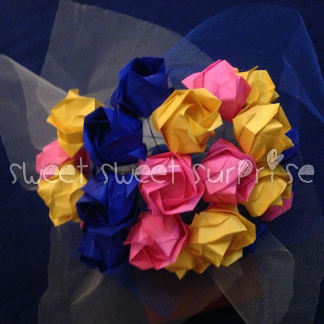 Big Rainbow Rose Bouquet - Buket Bunga Kertas Mawar Pelangi - Kado Wisuda Ulang Tahun