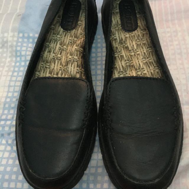 Born Black Shoes