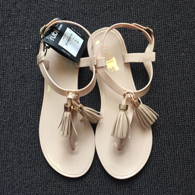 Size 35 New Rubi Sandals