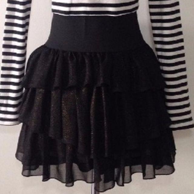 H&M black skirt / H&M ruffles skirt
