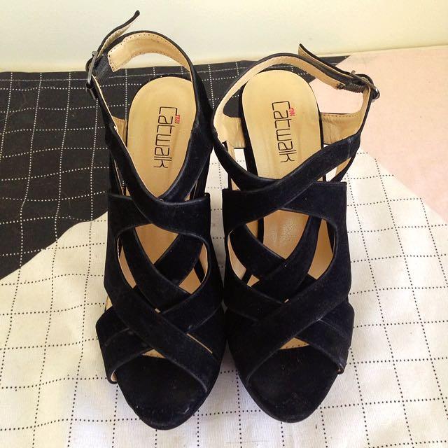 INNIU Black Wedge Heels Size 5