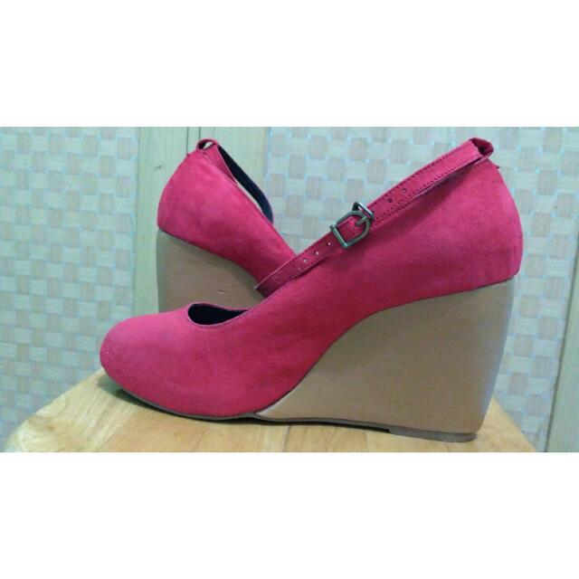 RE PRICE!! June & Julia Red Wedges