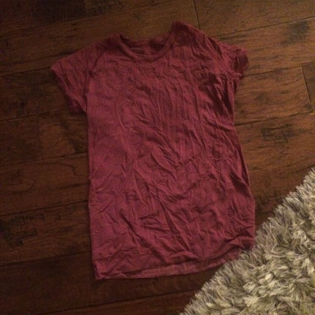 Lulu Lemon Burgundy Tee