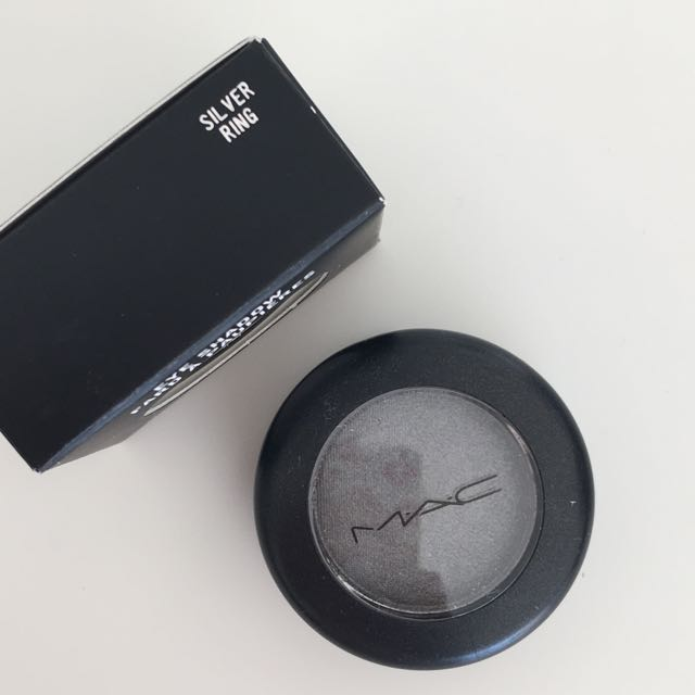 MAC eyeshadow in Silver Ring