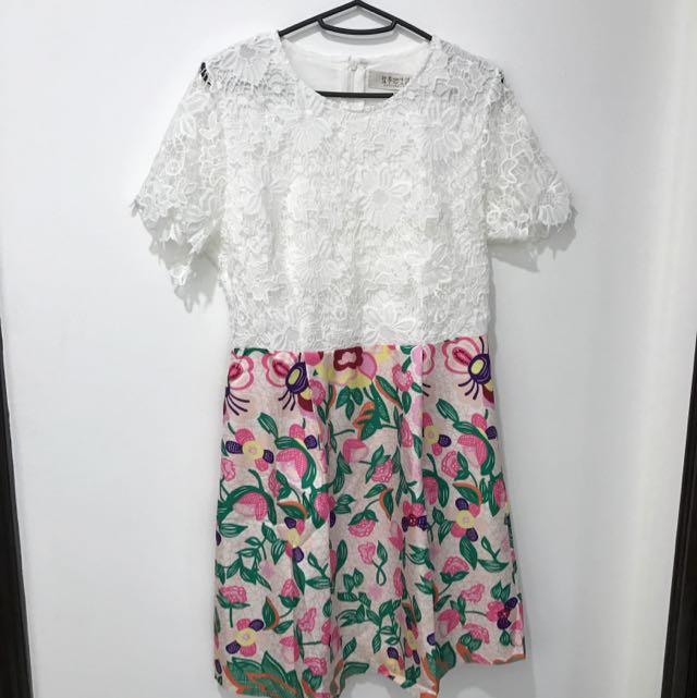 Matcha Life Lace & Flora Dress