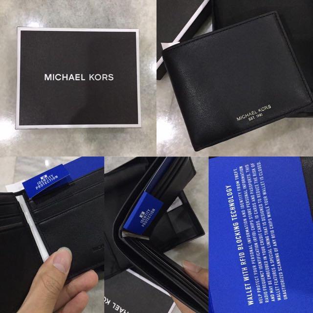 206a05eb3d0cf9 Michael Kors RFID billfold Leather wallet, Luxury, Bags & Wallets on ...