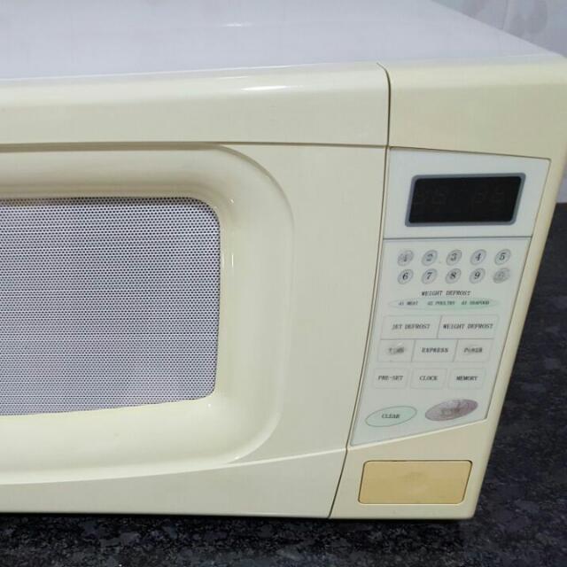 Microwave Fujitech MOV-628