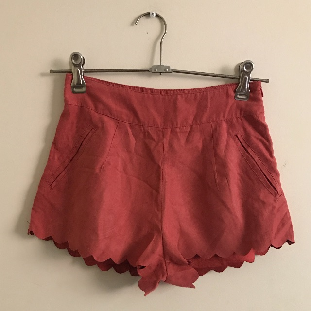 Mooloola Fitted Coral Scalloped High Waisted Shorts