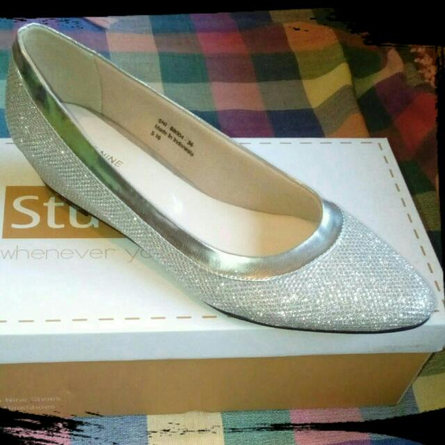 NEW!!! Studio Nine Flat Shoes